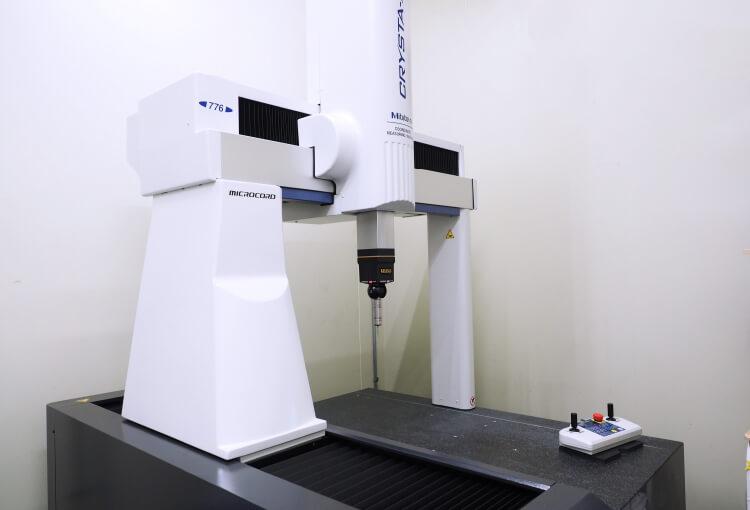 三次元測定機 ミツトヨ CRYSTA-Apex
